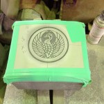焼津工場にて高山寺のお墓の石塔に家紋を彫ります【焼津市 焼津工場】