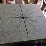 工場にて、育暮家ハイホームス様の、石で出来た方位プレートをお作りしました【静岡県焼津市】