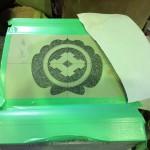 焼津工場にて、高山寺のお客様の家紋を彫りました。【焼津市 焼津工場】
