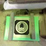 工場にて、源昌寺のお客様の水鉢に【丸に上り藤】の家紋を彫りました【静岡県焼津市】