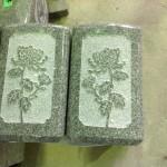 工場にて、大龍寺のお客様の花立てに菊の模様を彫りました。【静岡県焼津市】