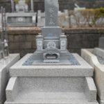 藤枝霊園にて、古いお墓をインドグレーの和形のお墓にリフォームしました。